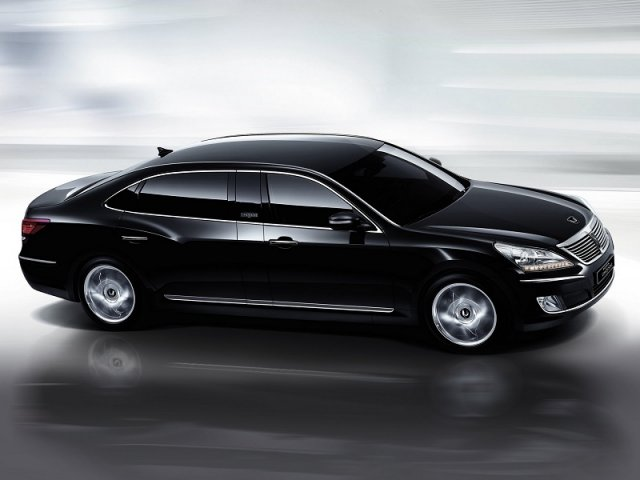 Компания Hyundai привезла в Россию самый роскошный Equus