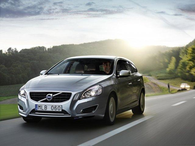 Volvo представит в России гибридный универсал