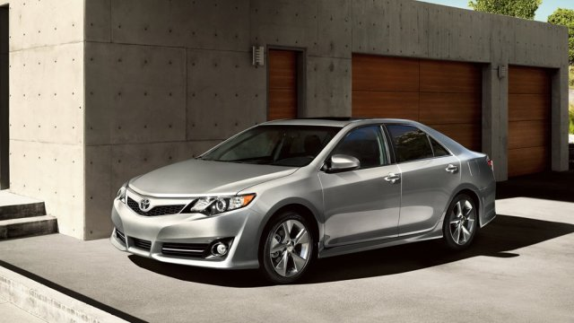Toyota прекратила продажи новой Camry
