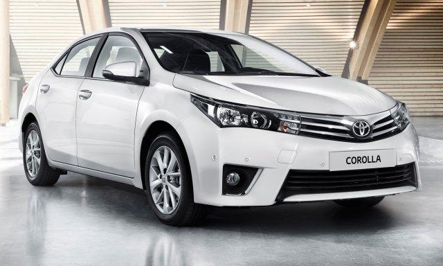 В России стартовал прием заказов на новые версии Toyota Corolla