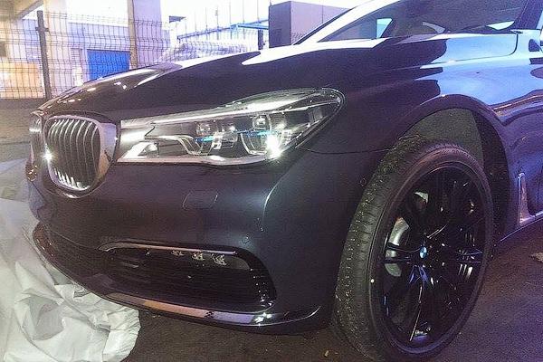 Частично раскрыт интерьер новой «семерки» BMW