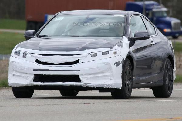 Honda тестирует обновленное купе Accord