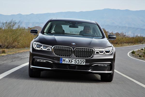 Рассекречена новая BMW 7-Series
