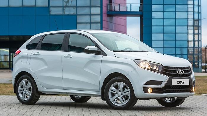 Хэтчбек Lada XRay получился дороже Renault Sandero