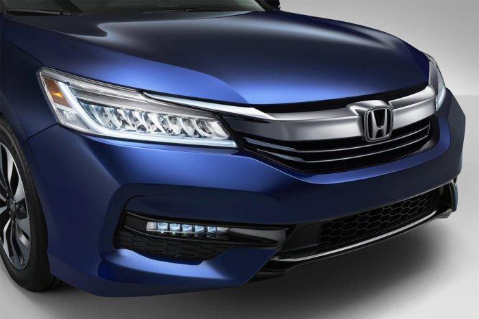 Обновлен гибридный Honda Accord