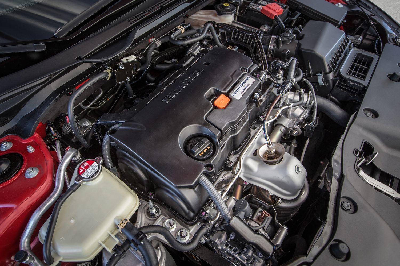 фото Honda Civic 5D 2017-2018 вид спереди