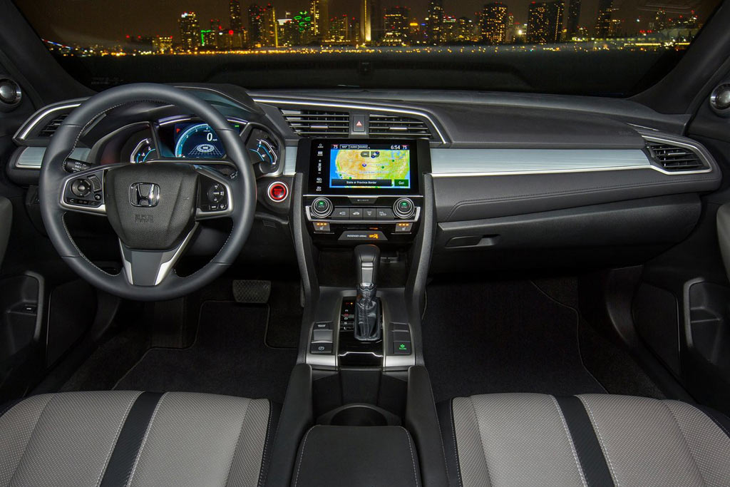 Интерьер Honda Civic Coupe 10-го поколения 2016-2017 модельного года